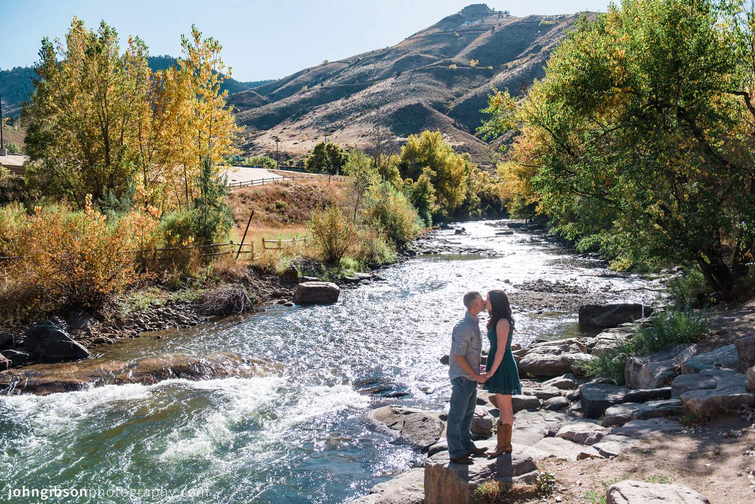 golden-colorado-fall-engagement-erin-chad_0002