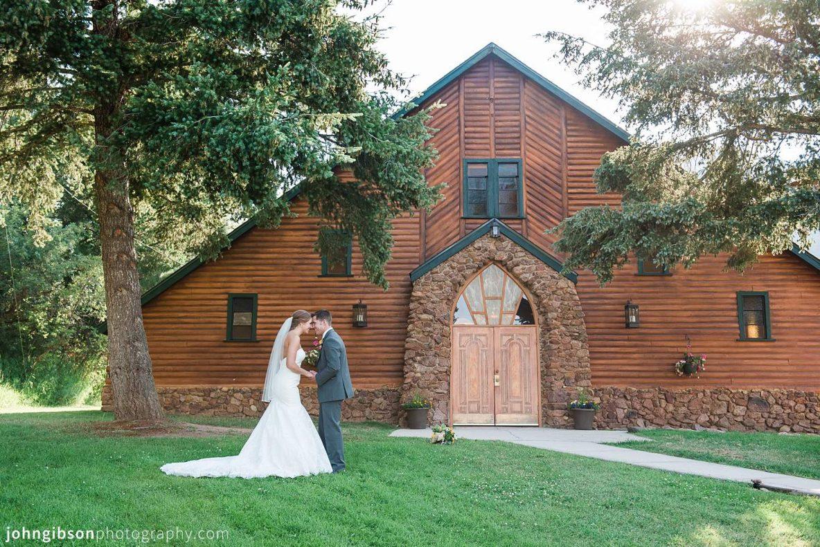 Historic Pinecrest Wedding Colorado